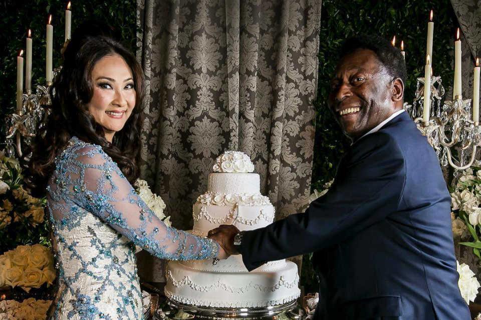 Pesta pernikahan Pele dan Marcia yang dipenuhi dengan nuansa bunga