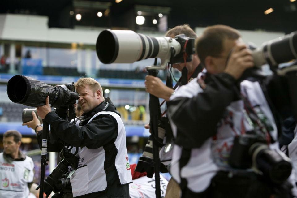 Pengaturan kamera sangat penting sebelum memotret pertandingan sepakbola
